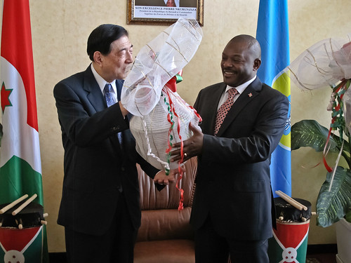 IFRC President meets with Burundi Head of State