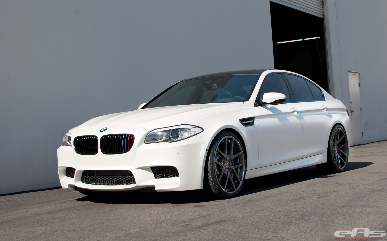 Frozen White M5 Gets Vorsteiner Wheels And Gruppe M Intake Bmw Performance Parts Amp Services