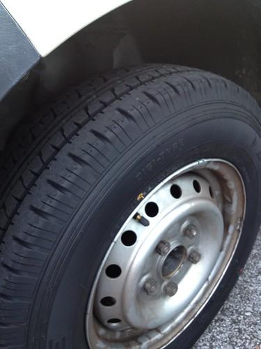 ライトエースの前輪タイヤを交換 by haruhiko_iyota