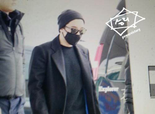 Big Bang - Incheon Airport - 21mar2015 - Seung Ri - Power Victory - 01