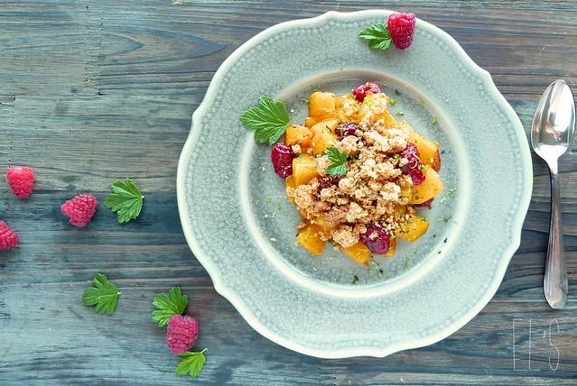 Crumble de mangue, framboise