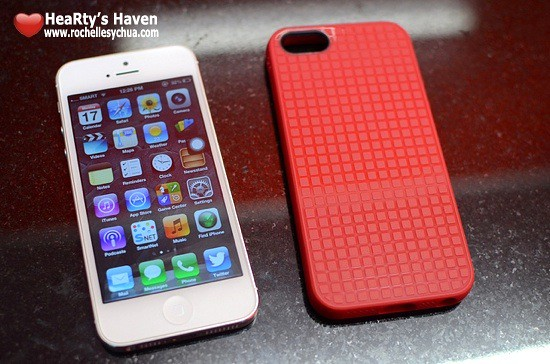 Speck PixelSkin HD with iPhone 5