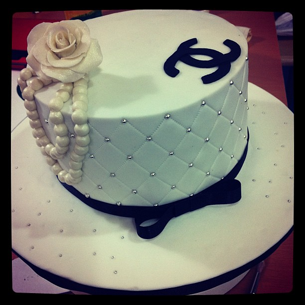 Chanel Cake Designs: Simple Chanel Cake Don't Know Where The Original Design