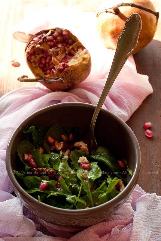 insalata rucola, melograno e noci