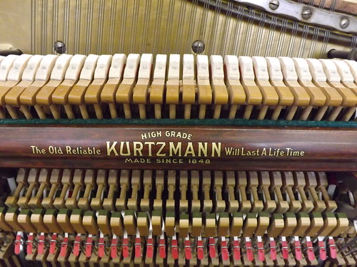 1919 Kurtzmann Upright
