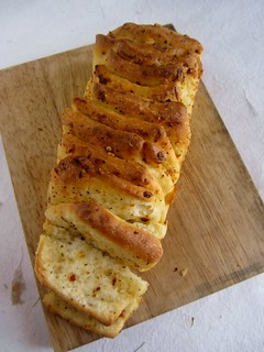 Herb & Cheese Pull-apart Loaf