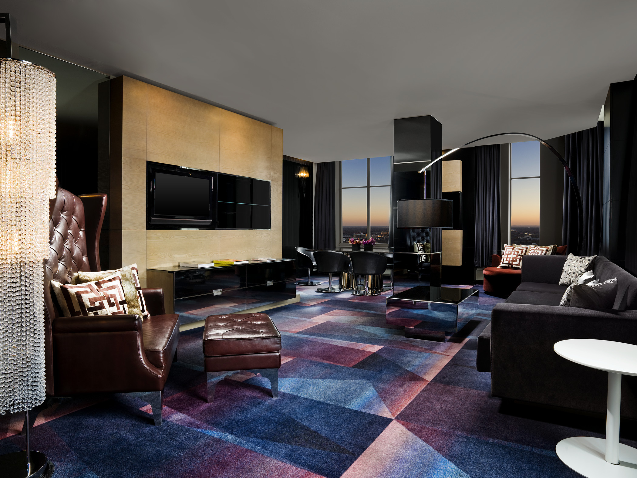 W Minneapolis - The Foshay—Extreme WOW Suite - Living Room