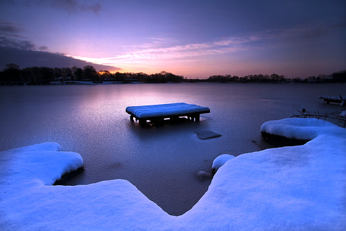 winter sky sun lake snow cold ice water sunrise dawn frozen dam si sthelens merseyside farscape halstead carrmill