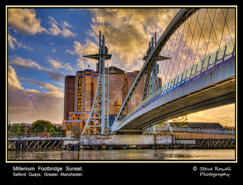 uk sunset england salfordquays salford greatermanchester milleniumfootbridge blinkagain rememberthatmomentlevel1 rememberthatmomentlevel2 rememberthatmomentlevel3