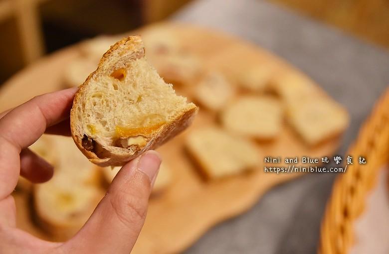 歐客佬咖啡麵包甜點太原路14