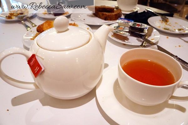 tuxedo - carlton hotel Singapore (49)