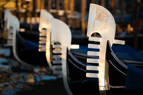 Ferroviaria (Gondola Ferro), Venice by flatworldsedge