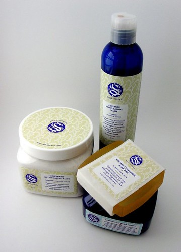 soapwalla almond luxe gift package