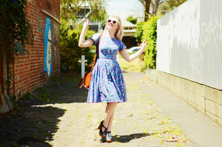 blue pink vintage dress e