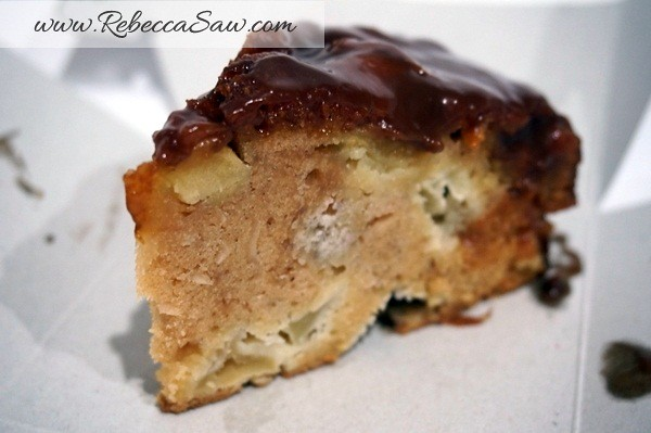 Swich Cafe - Publika - banana cake, apple cake and avocado cake-009