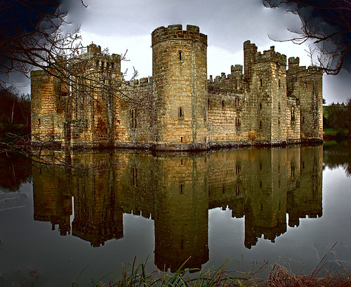 Bodiam Castle Bodiam Castle is a 14th-century moated castle near Robertsbridge in East Sussex by Kinzler Pegwell