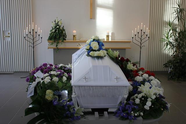 isän hautajaiset 130