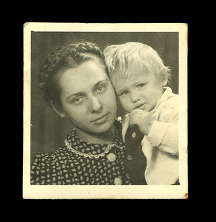 Lithuanian migrants Alfonsas Savickis and his mother, 1946