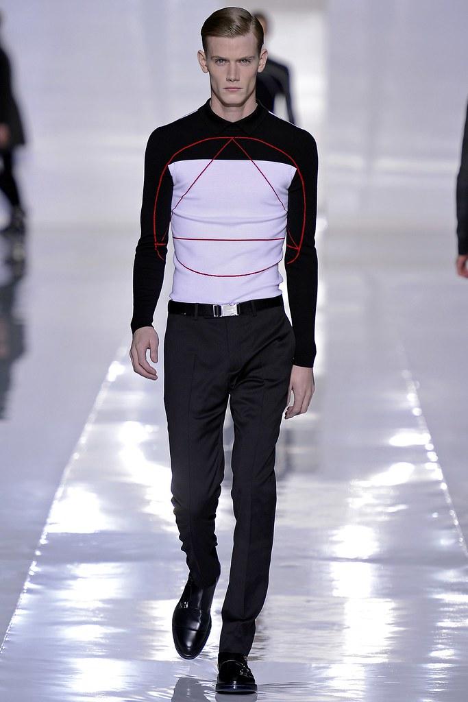 FW13 Paris Dior Homme026_Malcolm de Ruiter(GQ.com)