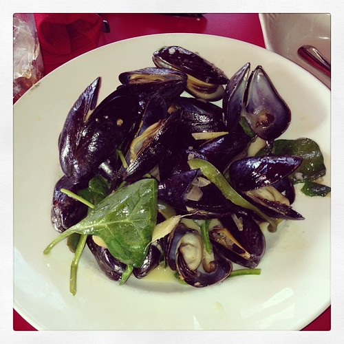 Perfect day for mussels on the patio