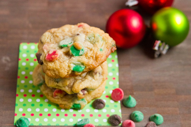 Easy holiday chocolate chip cookies foodie fun for Simple christmas cookie and candy recipes