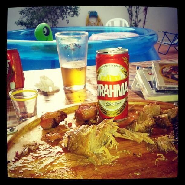 piscina churrasco cerveja explore daniel r