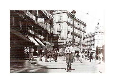 Moisès Broggi Valles Puerta del Sol año 1937 by Octavi Centelles