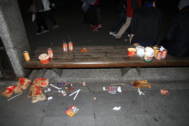 2013台北市跨年晚會垃圾-8-201212312327-賴鵬智攝