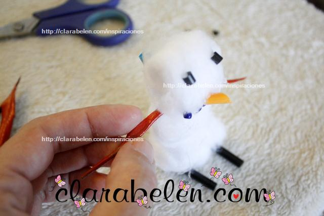Muñeco de nieve con algodones
