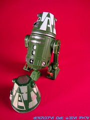 R4 Series Astromech Droid - Green