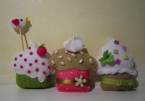 ♥♥♥ Começando o ano com docinhos para a Louise... by sweetfelt \ ideias em feltro