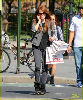 Julianne Moore Wedge Sneakers Celebrity Style Women's Fashion
