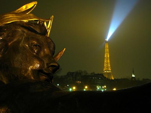 Medianoche en París by Miradas Compartidas