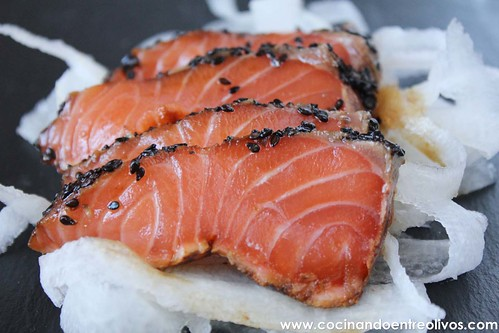 Tataki de salmon en nido de nabo daikon (2)
