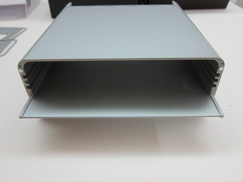 Twelve South HiRise for iMac - Step 2: Slide The Shelf In