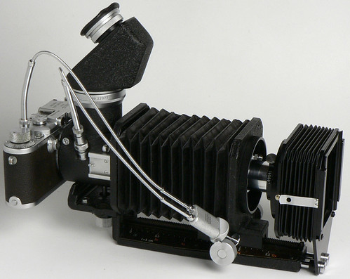 Leica IIIa (1936) + Visoflex I + PEGOO viewer + UXOOR bellows + Elmar 50mm f/3.5 + lens shade + OZWTO double wire release by Manual Camera
