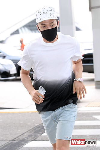 BIGBANG Incheon Airport to Shanghai Press 2015-06-19 089