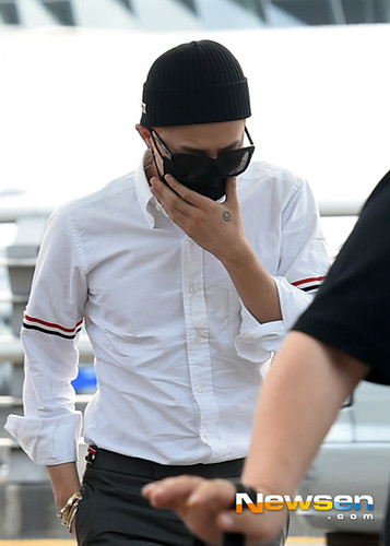 BIGBANG Incheon Airport to Shanghai Press 2015-06-19 027