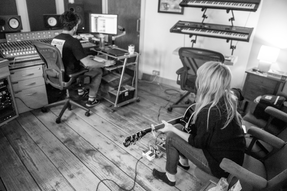 Studio BTS w/Hannah Lou Clark