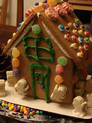 gingerbread house, cake, baking, sweetness, gingerbread, food, icing, dessert,