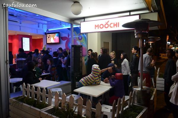Moochi (1)
