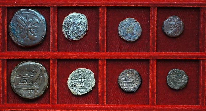 RRC 174 A.CAE Caecilia bronzes, Ahala collection, coins of the Roman Republic