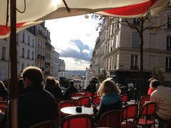 Chilling at a cafe on Montmartre