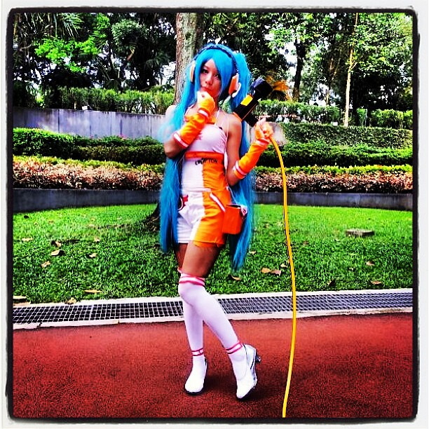 Landed in the middle of a Comic Fiesta while out on a wheelchair stroll. #hatsunemiku #klcc #convention #cosplay #anime #japan #manga #idol #comic