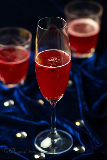 Cocktail au champagne cidre et airelles buon anno con for Cocktail au champagne