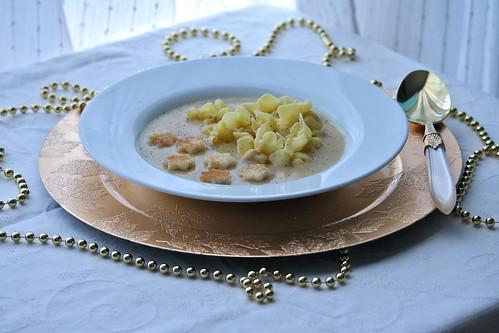 """Perline al Parmigiano con """"Potage Parmentier"""" al tartufo"""
