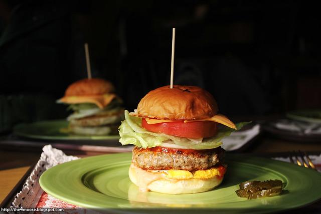 Cafe Moriah - Moriah Burger