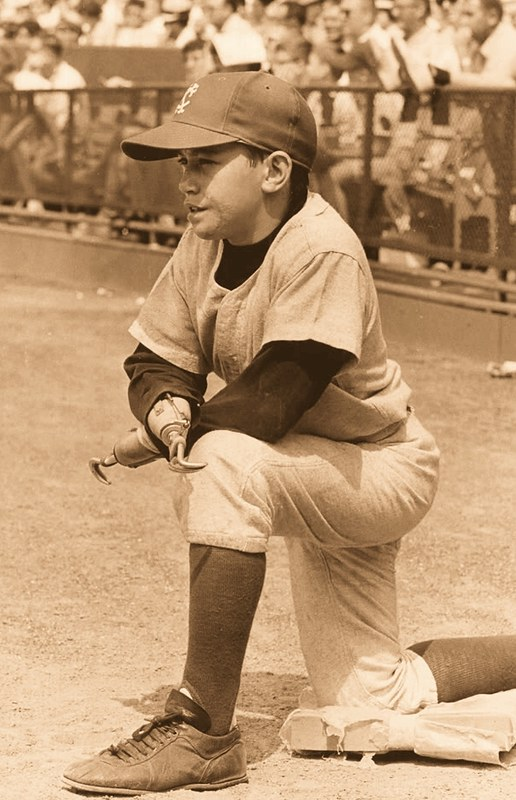 1966 Jay Mazzone KC A's Uni (kneeling)2.jpg