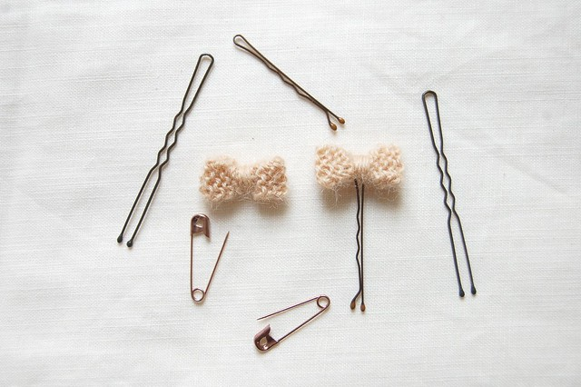 bow & pins