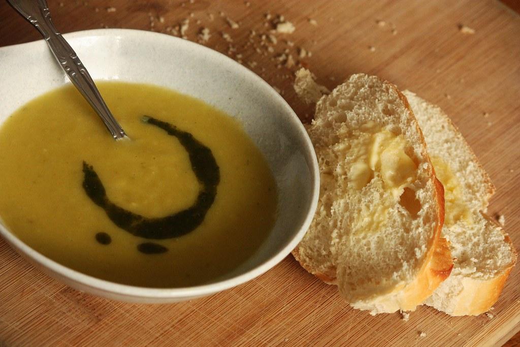 Potato and Leek Soup : rootedvegan.com